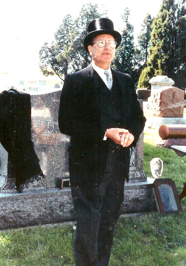 Roger Ahlgrim as Frank Danielsen